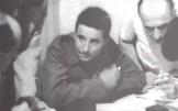 Ο Νίκος Ζαχαριάδης στα γραφεία του ΚΚΕ στην Αθήνα, λίγο μετά την επιστροφή του στην Ελλάδα από το Νταχάου, το 1945