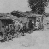 Δεκαετία 1930: Θεσσαλονίκη, Τενεκέ Μαλέ (Μαχαλάς) Αστεγες εβραϊκές οικογένειες.