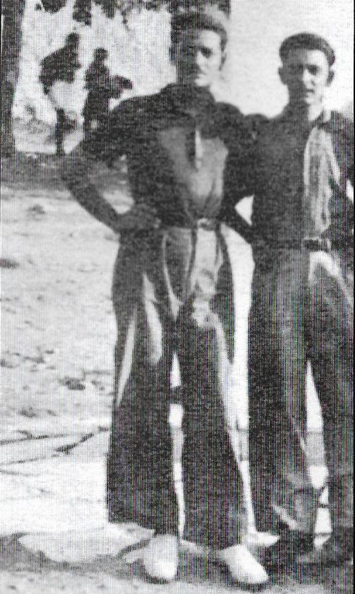 Οι φίλοι Μανώλης Γλέζος και Λάκης Σάντας όταν ήταν φοιτητές