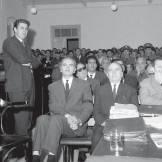 Οκτώβριος 1966: Δίκη για την υπόθεση Γρηγόρη Λαμπράκη. Διακρίνονται οι Μίκης Θεοδωράκης, Ξενοφών Φον Γιοσμάς, Εμμανουηλίδης και όλο το τρίκυκλο και η μούργα και το καθίζημα του παρακράτους.