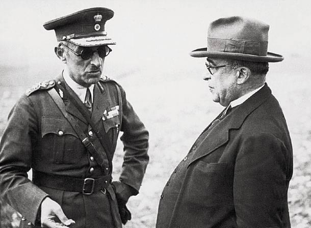 Το κόμμα του Ιωάννη Μεταξά (πάνω με τον Αλέξανδρο Παπάγο) συγκέντρωνε μετά βίας στις εκλογές μόλις το 4%. Αυτό δεν εμπόδισε τη δεξιά να τον χρίσει δικτάτορα, αντί για τον νέο και ελπιδοφόρο Παναγιώτη Κανελλόπουλο, όπως έγραφε ο Δημήτρης Γληνός στον 'Ριζοσπάστη'.