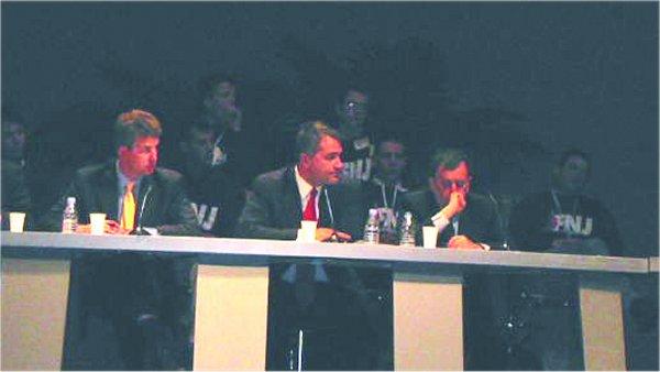 Ο Μάκης Βορίδης στις εργασίες του συνεδρίου, σε συζήτηση για το μέλλον της εθνικιστικής Ευρώπης, 19/04/2003.
