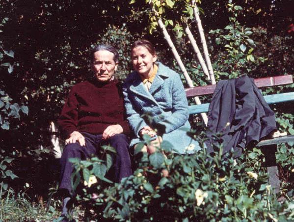 Αλλη μία άγνωστη φωτογραφία από την ίδια μέρα του 1971, στο Σοργκούτ της Σιβηρίας, την ημέρα που η κόρη του Όλγα τον επισκέφτηκε