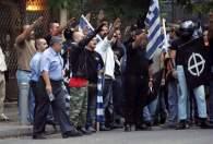 2005-09-17-Αθήνα κέντρο-Χρυσή Αυγή Πορεία Ναζιστικός χαιρετισμός - 01