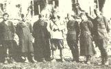 1948-xx-xx - Χαρίλαος Φλωράκης - Υποστράτηγος του ΔΣΕ με αξιωματικούς του Επιτελείου του-01 - giotis1