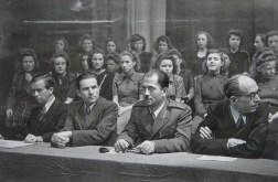 Από την κεντρική εκδήλωση στη Κρατική Όπερα του Βερολίνου (30.1.1949). (Από δεξιά): Πέτρος Κόκκαλης, Υποστράτηγος Λάμπρος, Σικαβίτσας, Γερμανός
