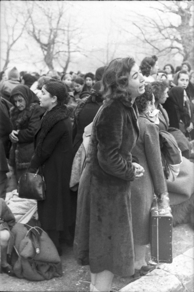 Από το Ολοκαύτωμα των Εβραίων της Ελλάδας, Ιωάννινα, 25 Μαρτίου 1944, όλη η σειρά των 19 φωτογραφιών (1/6)