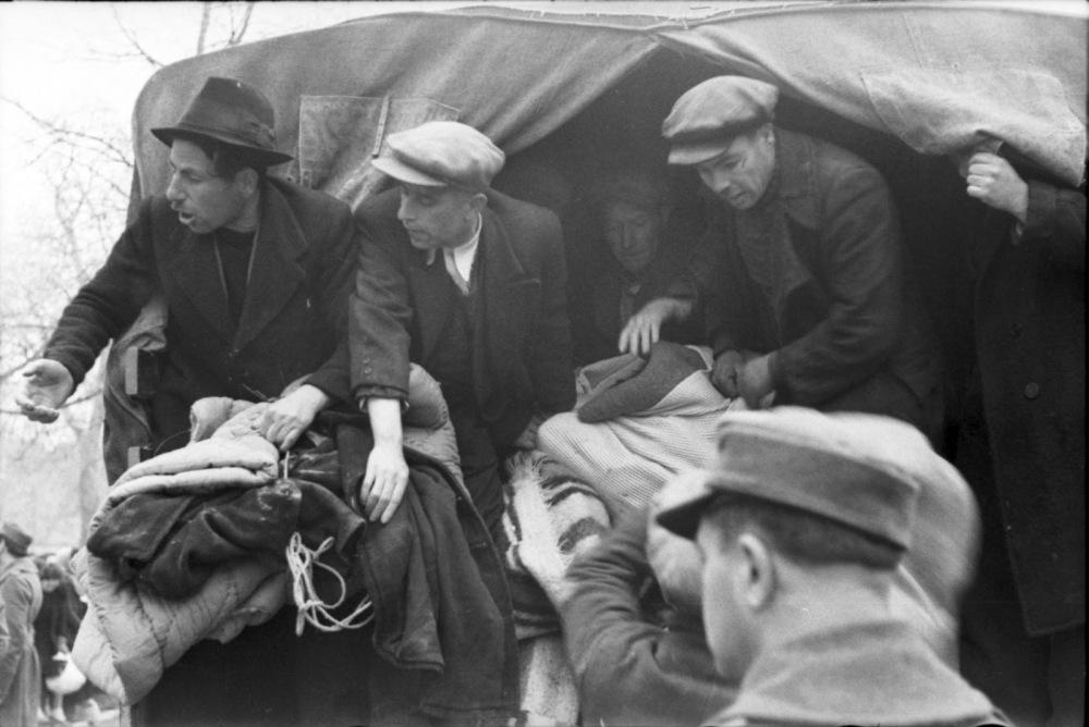 Από το Ολοκαύτωμα των Εβραίων της Ελλάδας, Ιωάννινα, 25 Μαρτίου 1944, όλη η σειρά των 19 φωτογραφιών (2/6)