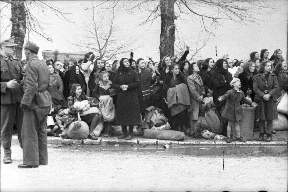 Από το Ολοκαύτωμα των Εβραίων της Ελλάδας, Ιωάννινα, 25 Μαρτίου 1944, όλη η σειρά των 19 φωτογραφιών (4/6)