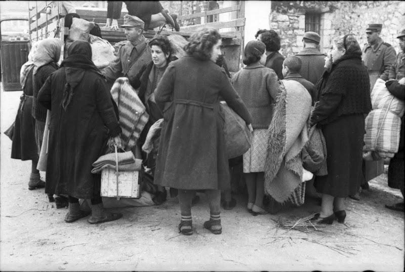 Από το Ολοκαύτωμα των Εβραίων της Ελλάδας, Ιωάννινα, 25 Μαρτίου 1944, όλη η σειρά των 19 φωτογραφιών (6/6)