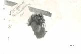 1945-06-xx - Αρης Βελουχιώτης - Το κομμένο κεφάλι του σε φανοστάτη των Τρικάλων - Με επιγραφή Ο αρχιδήμιος του ελληνικού λαού - foto2.jpg