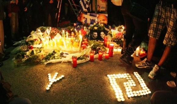03/11/2013, Αθήνα Νέο Ηράκλειο. Τρισάγιο για Φουντούλη και Καπελώνη. Μαίανδρος και ναζιστική Ρούνα.