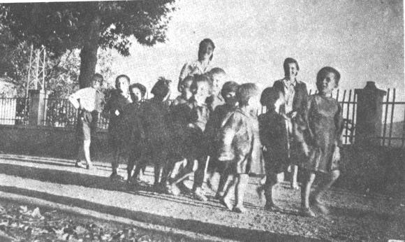 Παιδικός Σταθμός Καρπενησίου, Αετόπουλα, Μάιος 1944