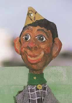 Ο Γαρίδας Καπετάνιος ΕΛΑΣίτης, η κούκλα του Νίκου Ακίλογλου