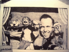 Νίκος Ακίλογλου - Οι 5 κούκλες Μπαρμπα-Γιώργος + Μισελίνης + Χιτλερίνης + Χάνος + Γαρίδας [1943] - DSC00369