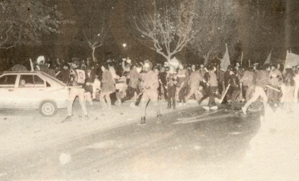 1984-12-04+05 - Επίσκεψη Λεπέν Κάραβελ - Συγκρούσεις με ΜΑΤ-05 - sygkrousis.2