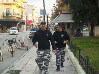 2013, Νίκαια - Ο Γιώργος Ρουπακιάς στο πλάι του Πατέλη με την ενδυμασία των Ταγμάτων Εφόδου