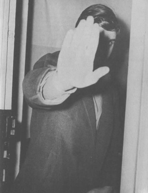 Ο ημιπαράφρων φασίστας Δημοσθένης Γρίβας σε φωτογραφία του 1979