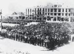 1942-07-11-Θεσσαλονίκη Πλατεία Ελευθερίας Εβραίοι σε γυμνάσια-06