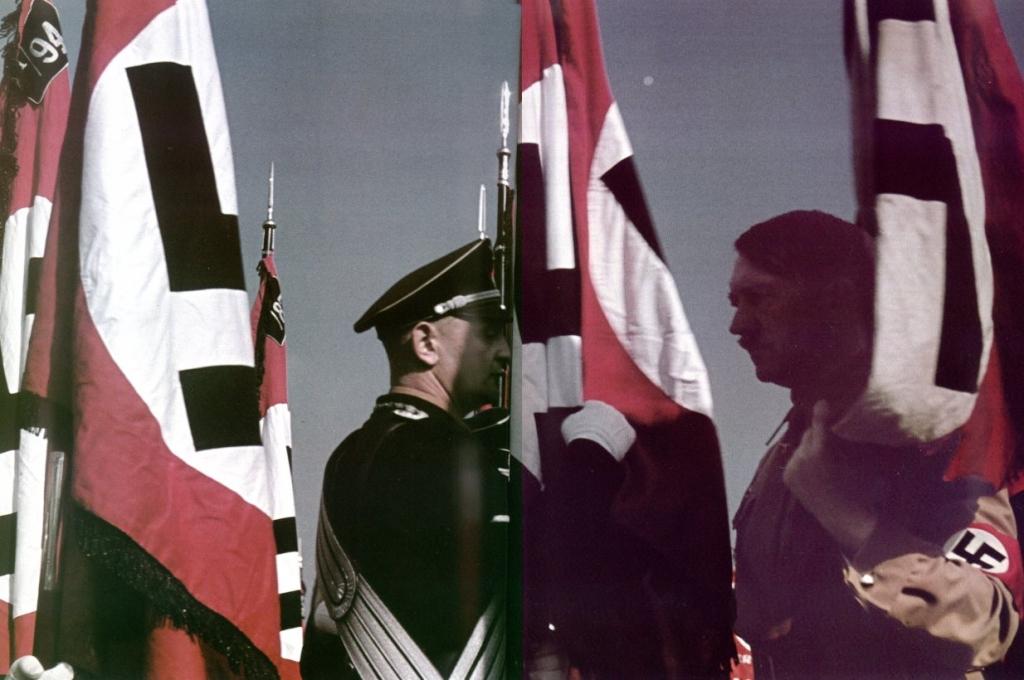 BlutFahne - Adolf Hitler two fingers Oath - HitlerSwearingIn