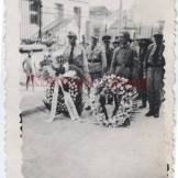 1944-xx-xx - Ναύπακτος - Γερμανοί και άνδρες του τάγματος ασφάλειας ΙΙ-3 σε κηδεία