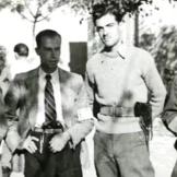 1944-xx-xx - Τάγματα Ασφαλείας - Ενας ταγματασφαλήτης + Δύο με πολιτικά και όπλα + Ενας Γερμανός - Ταγματασφαλίτες - Crop