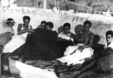 1944-xx-xx - Ελληνες πατριώτες κρύβονται από τα Τάγματα Ασφαλείας σε ταράτσα - t16_k11_p050_1