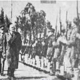 1944-xx-xx - Ιωάννης Ράλλης + Γερμανοί αξιωματικοί επιθεωρούν Τάγματα Ασφαλείας - tas7