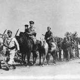 1944-xx-xx - Κρύα Βρύση - Τάγμα Γεώργιος Πούλος + Δύο σαλπιγκτές + Ο παππάς - t16_k11_p055_1