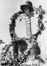 1944-xx-xx - Τάφος Πουλικού Πόντιου Τσερνίδης Κωνσταντίνος - t16_k11_p039_1