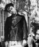 194x-xx-xx-Αθήνα - Μέλος του ΕΑΜ σε κρεμάλα των Γερμανών. Η ταμπέλα έγραφε προδότης - εαμιτης νεκρος