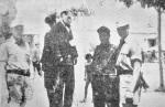 194x-xx-xx-Ελληνας Αθήνα μάλλον Αμπελόκηποι – Γερμανοτσολιάς δοσίλογος φωτογραφίζεται δίπλα σε κρεμασμένους μαζί με Γερμανούς στρατιώτες –tas2