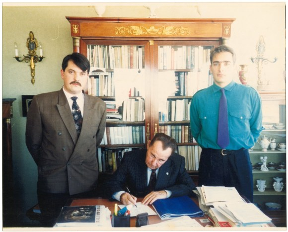 Μαδρίτη, στο σπίτι του Leon Degrelle (Λεόν Ντεγκρέλ), Χρήστος Παππάς και Παναγιώτης Ζουμπούλης, Φωτογραφία από το Vice.gr