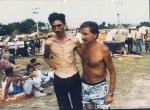 1992-08-xx – Στρατόπεδο συγκέντρωσης Trnopolje κοντά στο Prijedor – Βόσνιοι μουσουλμάνοι κρατούμενοι – Φωτογραφία ITN – daniel-toljaga-blog-trnopolje-concentration-camp-bosnian-genocide-17