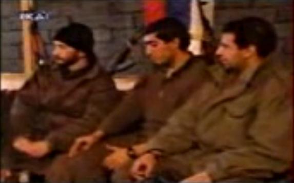 Μουρατίδης, Καθάριος και το μέλος της Χρυσής Αυγής Τζανόπουλος Σπύρος σε συνέντευξη με τον Παπαπέτρου. Βοϊκοβίτσι Σαράγεβο, Δεκέμβριος του 1994.