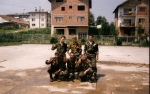 Βλασένιτσα, Βοσνία, 1995. Διακρίνονται οι Kαλτσούνης Κωνσταντίνος, Φλορίν Αννα, Ζαβιτσάνος Δημήτρης και άλλοι.