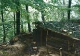 Βοσνία, 1995. Διακρίνεται ο Μήτκος Αντώνης σε φυλάκιο-καλύβα.