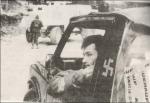 Επειδή κρετίνοι δεν υπάρχουν μόνο από την εδώ πλευρά. Ενας Κροάτης παραστρατιωτικός εθελοντής Ustashi, με ζωγραφισμένη στο τζιπ μια σβάστικα.