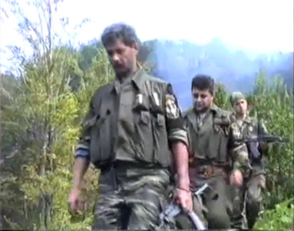 Σρεμπρένιτσα 11-13 Ιουλίου 1995, Ελληνες εθελοντές, Τα απλά μέλη στο ανθρωποκυνηγητό για μουσουλμάνους στα πέριξ