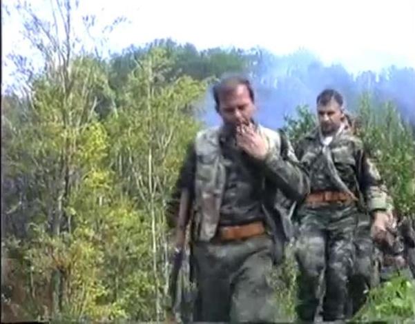 Σρεμπρένιτσα 11-13 Ιουλίου 1995, Ελληνες εθελοντές, Ανθρωποκυνηγητό για μουσουλμάνους στα πέριξ