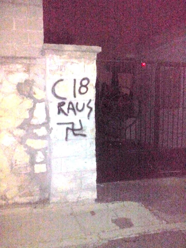 Εβραϊκό Νεκροταφείο Νίκαιας, Βεβήλωση από Combat18, Οκτώβριος 2015.