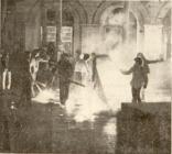 1980-11-17-Πολυτεχνείο Συγκρούσεις με ΜΑΤ και ΚΝΑΤ-09 - odofragmata2