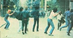 1985-05-09 - Χημείο Πρώτη κατάληψη μετά την απαγόρευση συγκέντρωσης διαμαρτυρίας στην πλατεία για επιχειρήσεις αρετής-03 - petropolemos