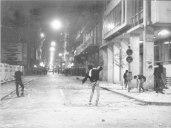 1985-05-09 - Χημείο Πρώτη κατάληψη μετά την απαγόρευση συγκέντρωσης διαμαρτυρίας στην πλατεία για επιχειρήσεις αρετής-05 - petropolemos1