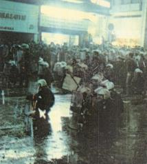 1985-11-17+18 - Χημείο Δεύτερη κατάληψη για φόνο Καλτεζά + Επέμβαση ΜΑΤ-36 - mat2