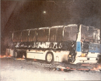 1985-11-17+18 - Χημείο Δεύτερη κατάληψη για φόνο Καλτεζά + Επέμβαση ΜΑΤ-43 - kameno amaxi5