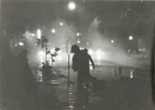 1985-11-17+18 - Χημείο Δεύτερη κατάληψη για φόνο Καλτεζά + Επέμβαση ΜΑΤ-49 - fwtia3