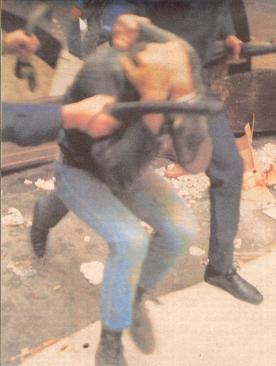 1985-11-17+18 - Χημείο Δεύτερη κατάληψη για φόνο Καλτεζά + Επέμβαση ΜΑΤ-52 - epemvasi ximeio3
