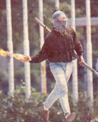 1986-04-ΑΠΡ - Φοιτητικές εκλογές - Θεσσαλονίκη-01 - Μολότοφ - molotov