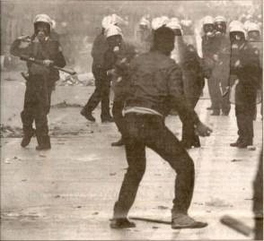 1991-01-ΙΑΝ - Αγριες οδομαχίες-37 - 78